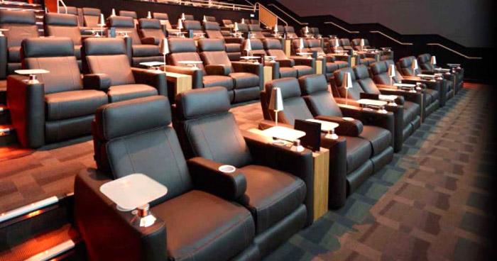 Suspenden todas las funciones en cines tras declaratoria de 'Alerta Roja' por COVID-19
