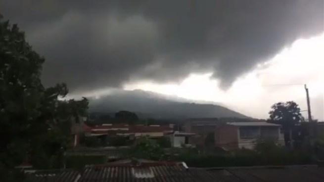 Onda Tropical continuara moviéndose sobre el país y estará de salida este día