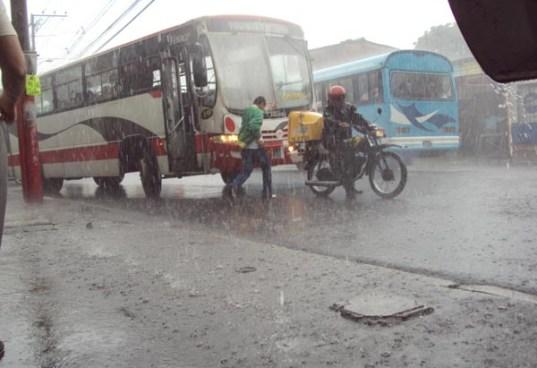 Lluvias moderadas a fuertes dispersas sobre el territorio nacional