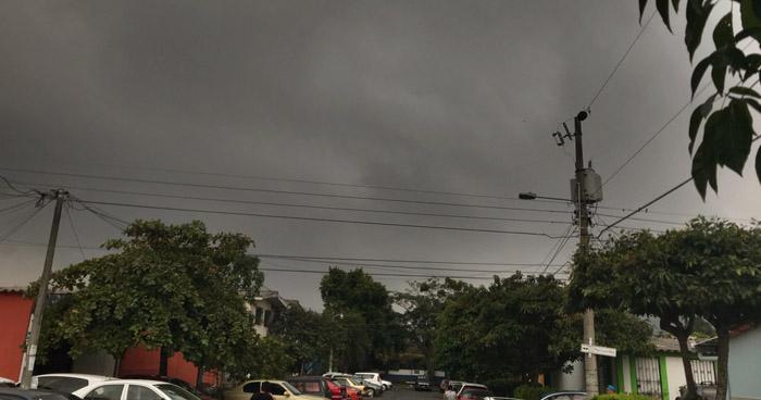 Sistema de Vaguada generará cielo nublado y lluvias con énfasis en zona norte del país