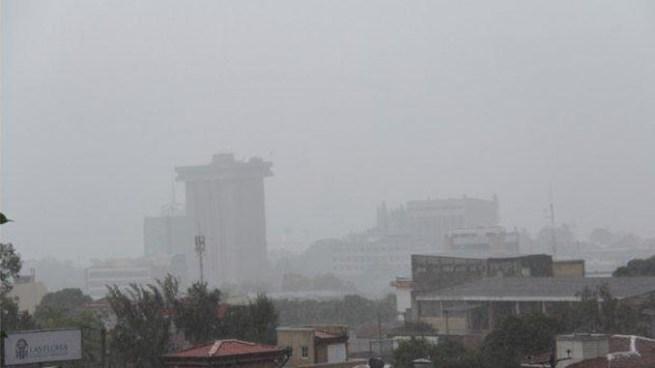 Probabilidad de lluvias para este martes principalmente en la franja norte y cordillera volcánica del país