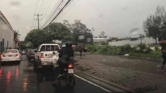 Onda Tropical sobre territorio generara fuertes lluvias y tormentas con actividad eléctrica