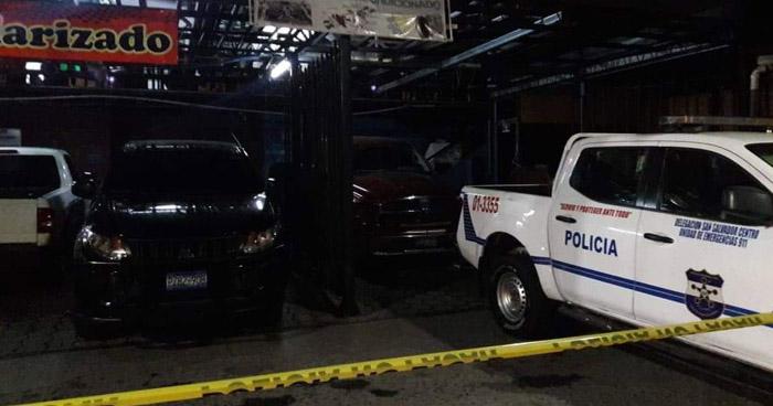 Un muerto y dos lesionados tras ser privados de libertad en night club de San Salvador