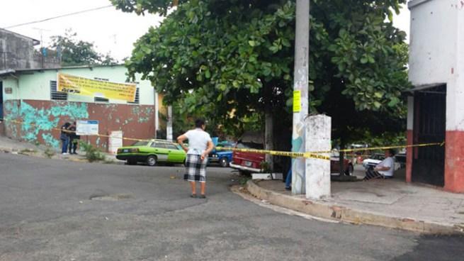 Delincuentes matan a balazos a un vendedor en la colonia Monserrat de San Salvador