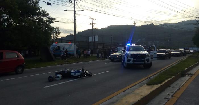Una mujer fallecida y seis lesionados tras accidente de transito en la Autopista Comalapa
