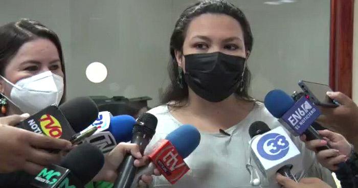 Diputadas del FMLN piden exonerar pago del IVA en la compra de combustibles por 3 meses