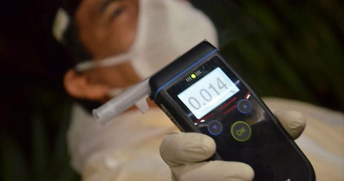 Realizan pruebas de alcoholemia a conductores en Mejicanos