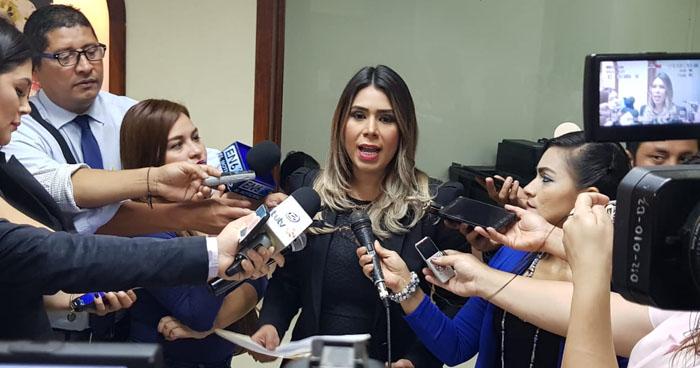 Diputada propone prohibir procesos abreviados en casos de corrupción y lavado de dinero
