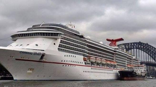 Cerca de 20 mil turistas varados en alta mar por el paso del Huracán Harvey
