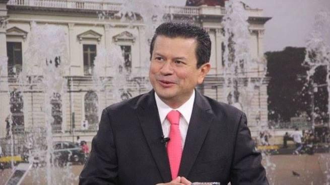 """Canciller: """"Habría un impacto en la economía y sociedad de los EUA si se suspende el TPS a salvadoreños"""""""