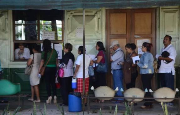 Sindicato de médicos de Hospital Rosales denuncia falta de medicamentos
