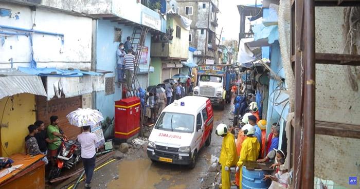 Una decena de muertos tras derrumbe de un edificio en Bombay, India