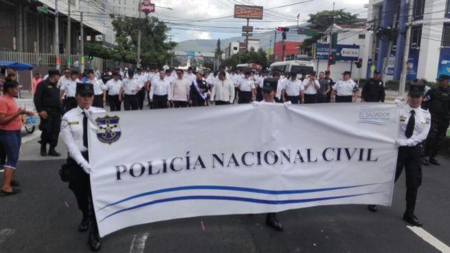 Policía Nacional Civil conmemora su día con desfile