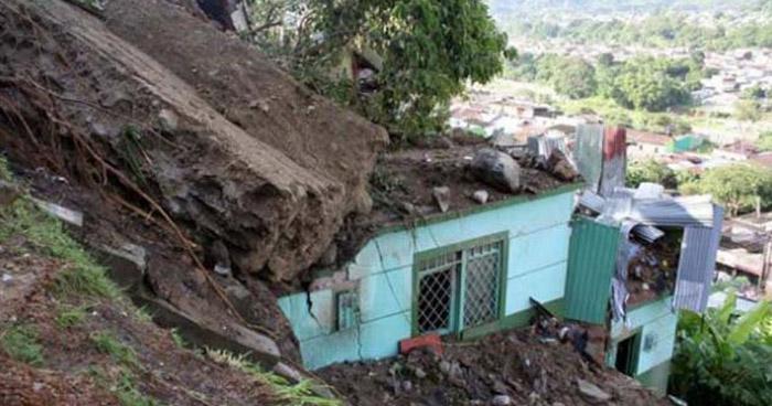 Nueve muertos en Colombia tras un deslizamiento de tierra por lluvias