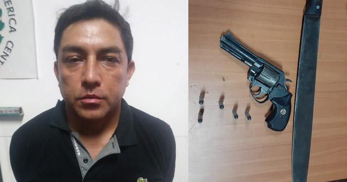 Detenido con $1,600 en efectivo y un arma de fuego