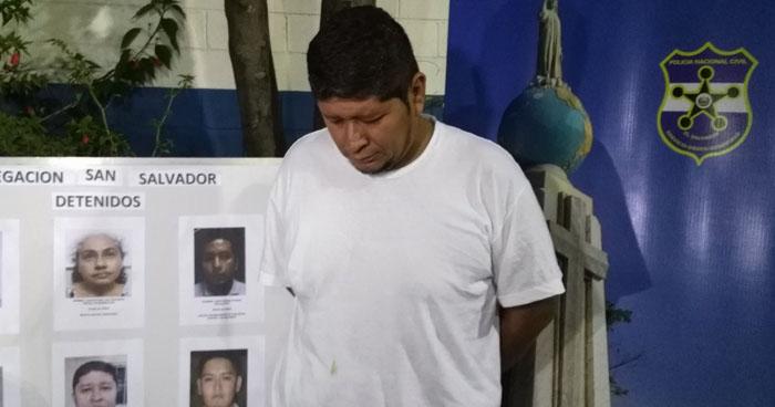 Capturan a hombre que a mano armada asaltó a mujeres en San Salvador