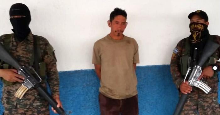 Salvadoreño con orden de captura vigente intentaba ingresar al país por un punto ciego
