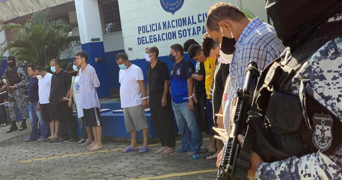 Capturan a 22 delincuentes y les incautan cocaína, armas y dinero en efectivo