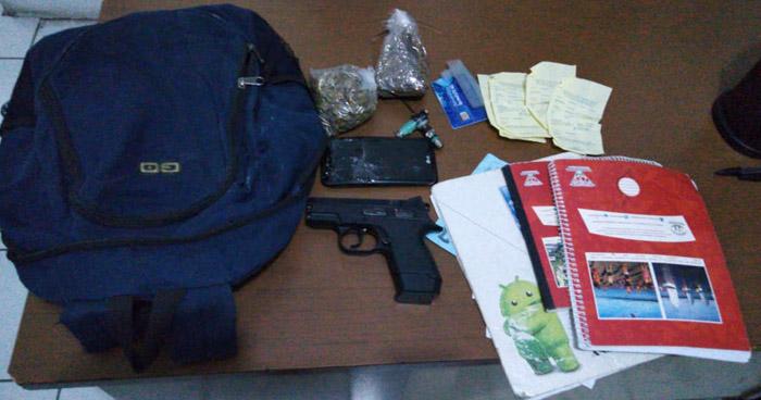 Incautan documentos falsos, droga y libro de control de extorsiones a pandilleros en La Libertad