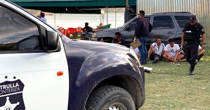 Detienen a 6 guatemaltecos por cruzar ilegalmente a El Salvador