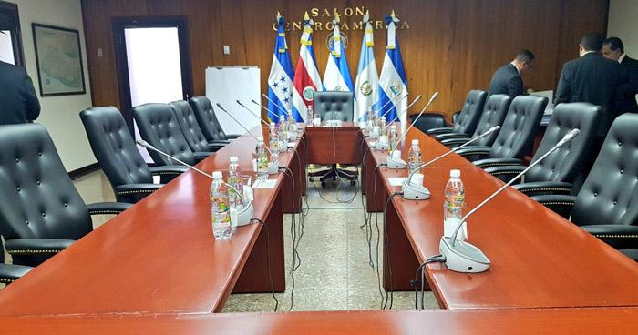 Diputados de la Asamblea Legislativa sin acuerdo para elegir a los Magistrados de la CSJ