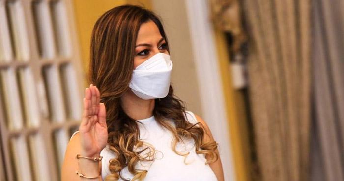 Monica Ayala es juramentada como nueva Directora General del ISSS