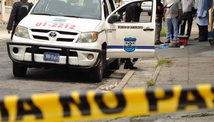 Pandilleros asesinan a dos hijos de un agente PPI, en calle Los Llanitos, Ayutuxtepeque