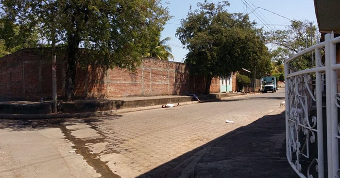 Dos hombres fueron asesinados frente a una cantina en Intipucá, La Unión