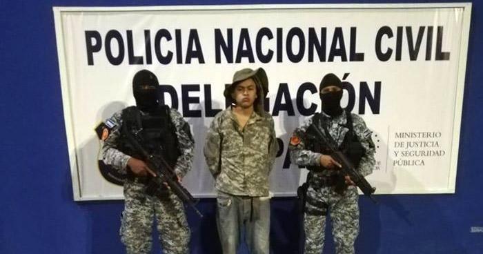 Pandillero de la MS vestido con ropa militar transportaba droga en La Paz