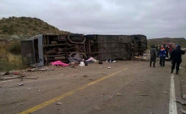Accidente de autobús en Argentina deja más de 10 personas fallecidas