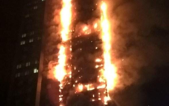 Un gran incendio devoro una torre residencial de 27 plantas en Londres