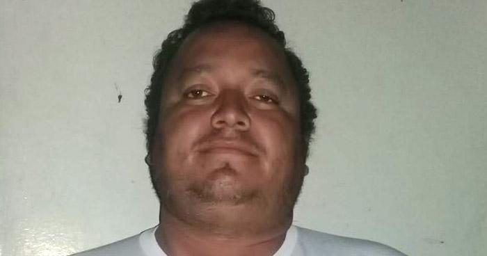Estafó $15 mil en supuesta venta de 2 vehículos en Santa Tecla
