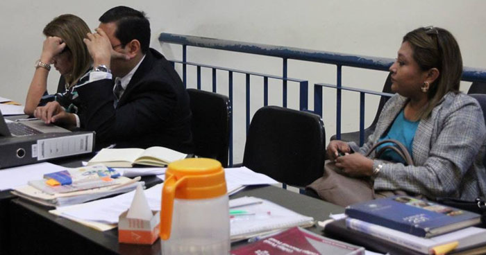 Fiscalía pide penas de hasta 8 años en prisión para exempleados de Medicina Legal y sobrina