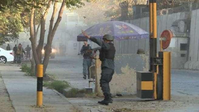 Al menos 3 muertos y 15 heridos tras ataque suicida en una zona diplomática de Kabul