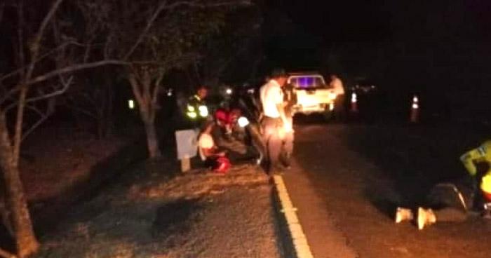 Muere mujer tras ser atropellada por un motociclista en Cuscatlán