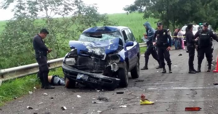 Agente de la PNC muere tras sufrir accidente de tránsito en carretera de Ahuachapán