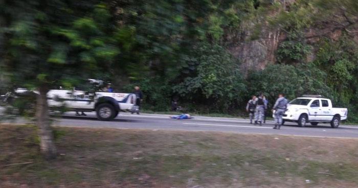 Hombre asesinado sobre carretera a Comalapa cerca del desvío a Santo Tomás
