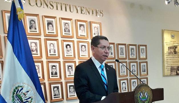 "Fiscal tilda como ""cochinada institucional"" la tregua entre pandillas"