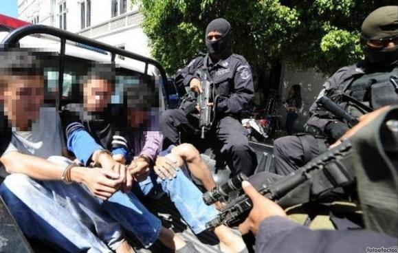 3 pandilleros son capturados después de un enfrentamiento con autoridades policiales