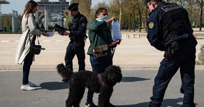 """Francia propone cuarentena """"voluntaria"""" para franceses llegados de otros países"""
