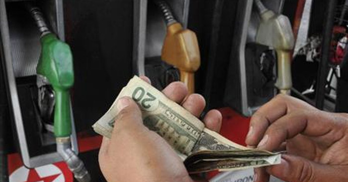 Precios de la Gasolina a la baja, pero el Diesel subira hasta $0.06