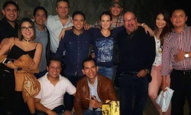 """""""Gordo Max"""" se reunió con sus excompañeros locutores en una fiesta navideña"""