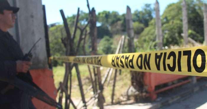 Hombre muere al caer del techo de una vivienda en Olocuilta