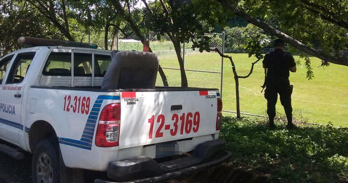 Asesinan a balazos a un joven en una cancha de fútbol en San Miguel