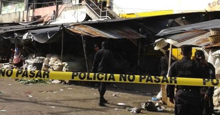 Empleada municipal fue asesinada por su pareja en el mercado de Agua Caliente, Chalatenango