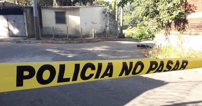 Asesinan a pedradas a un joven en Ciudad Delgado