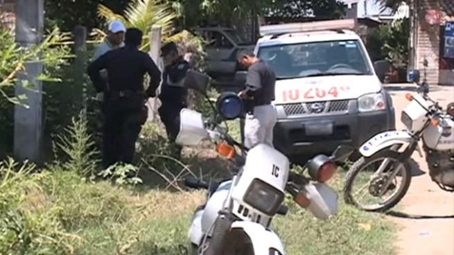 Encuentran a dos pescadores asesinados dentro de una canoa en el lago Suchitlán, Chalatenango