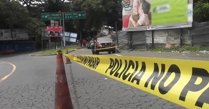 Encuentran el cadáver de un hombre degollado en carretera Panamericana, Usulután