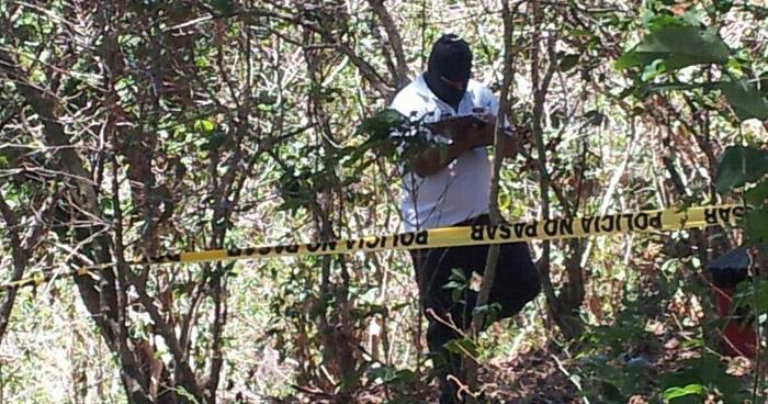 Matan de 20 disparos un hombre en Huizúcar, La Libertad