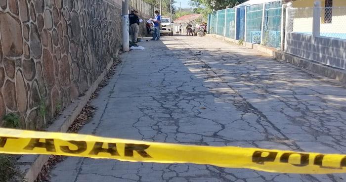 Pandilleros apuñalan a joven en Barrio El Calvario, Nahuizalco